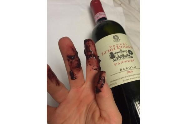 Lý do vì sao rượu trái cây lại xuất hiện nhiều cặn lắng, cách khắc phục làm trong rượu hiệu quả nhất